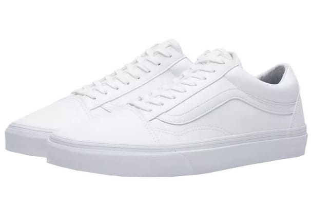 giày sneakers